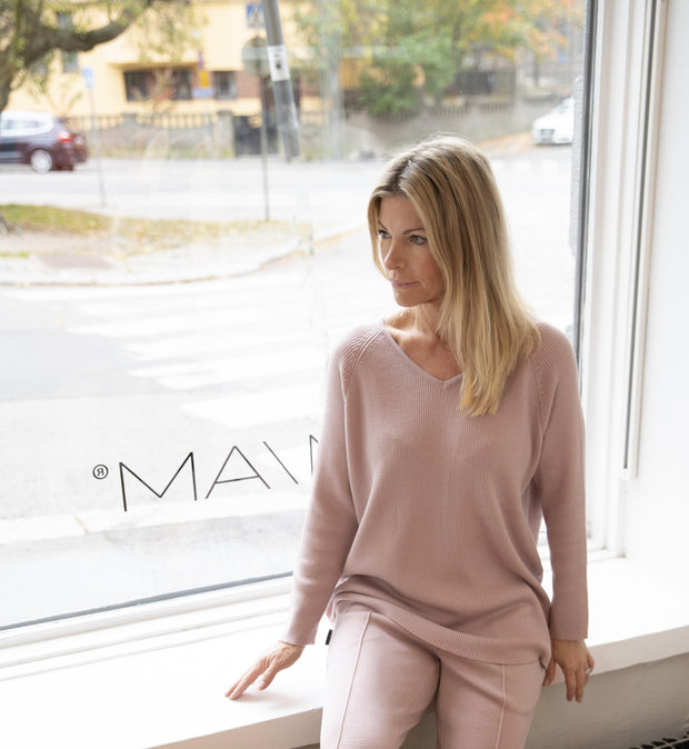 Buy online sustainable Tops from Finland - MIAM Rosa Merino Sweater