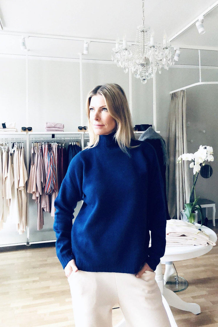 Buy online sustainable Tops from Finland - MIAM Inari Jumper Blue