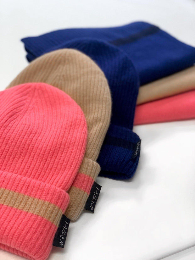 Buy online sustainable Accessories from Finland - MIAM Cashmere Beanie & Scarf Set Blue