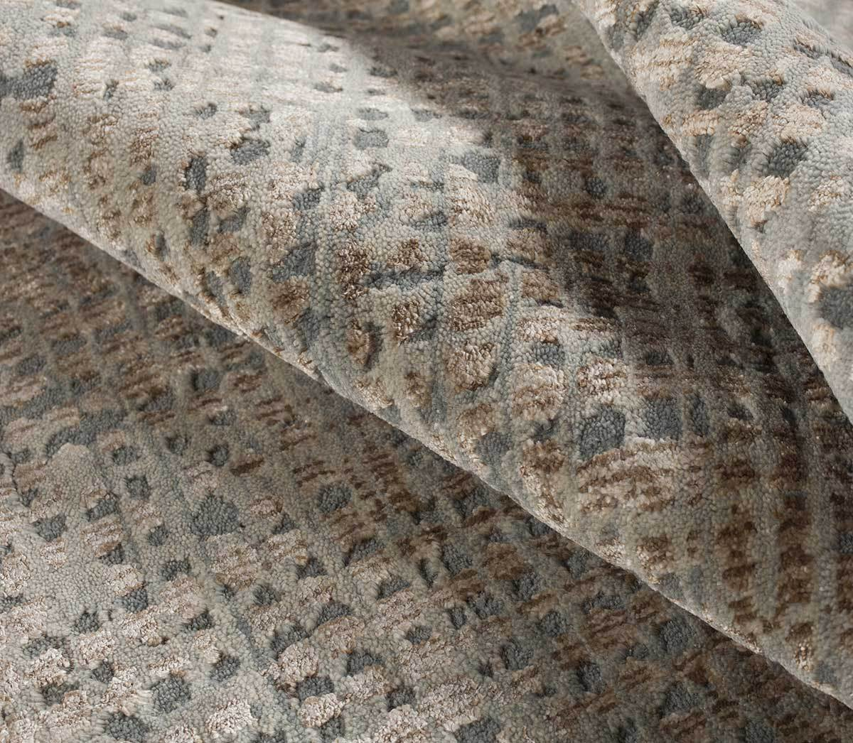 Detail shot of CHIAPAS ICE TAUPE, a hand knotted rug designed by Tufenkian Artisan Carpets.