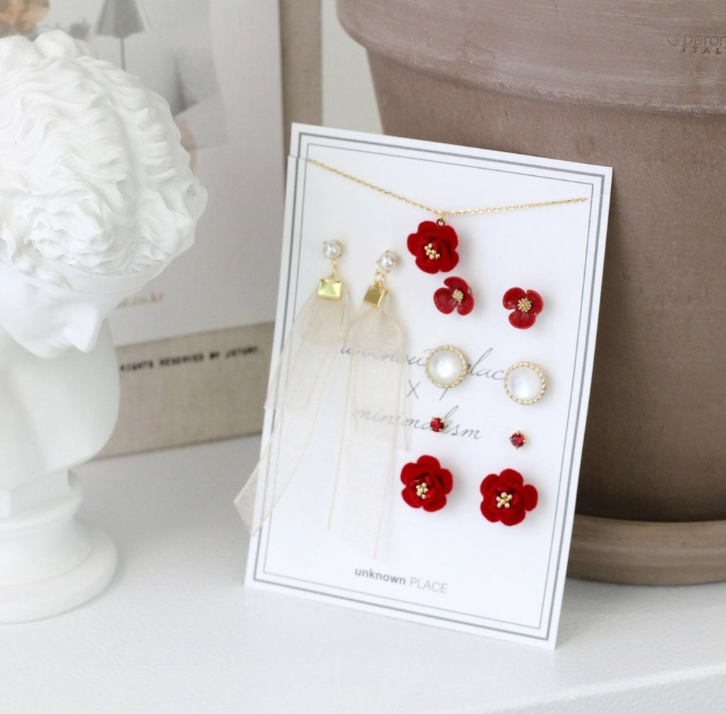 unknown PLACE Camellia Earring Set