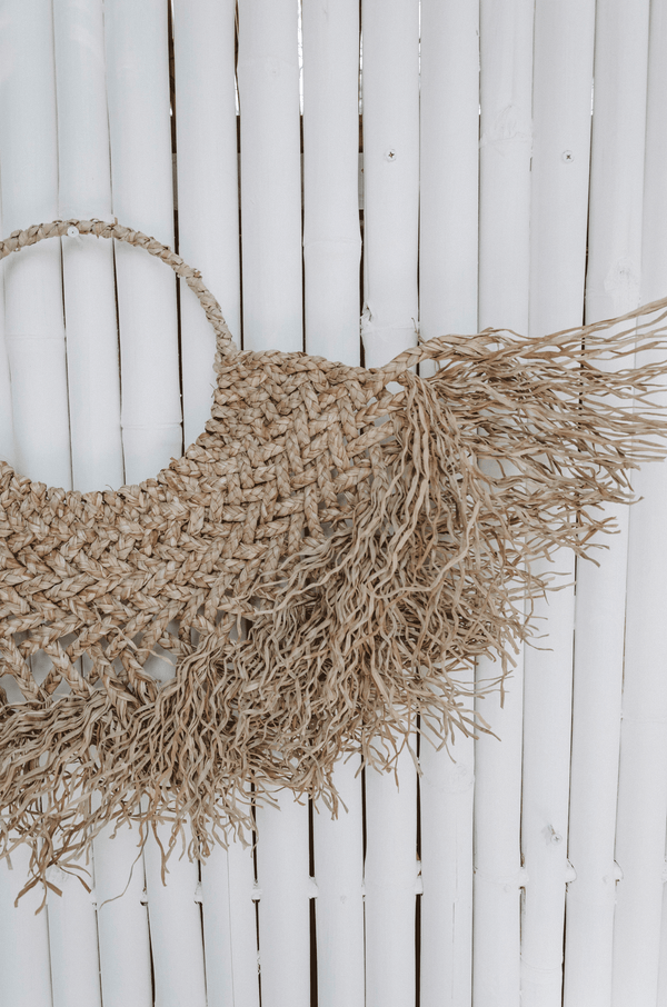 Willow seagrass wall hanging - Medium