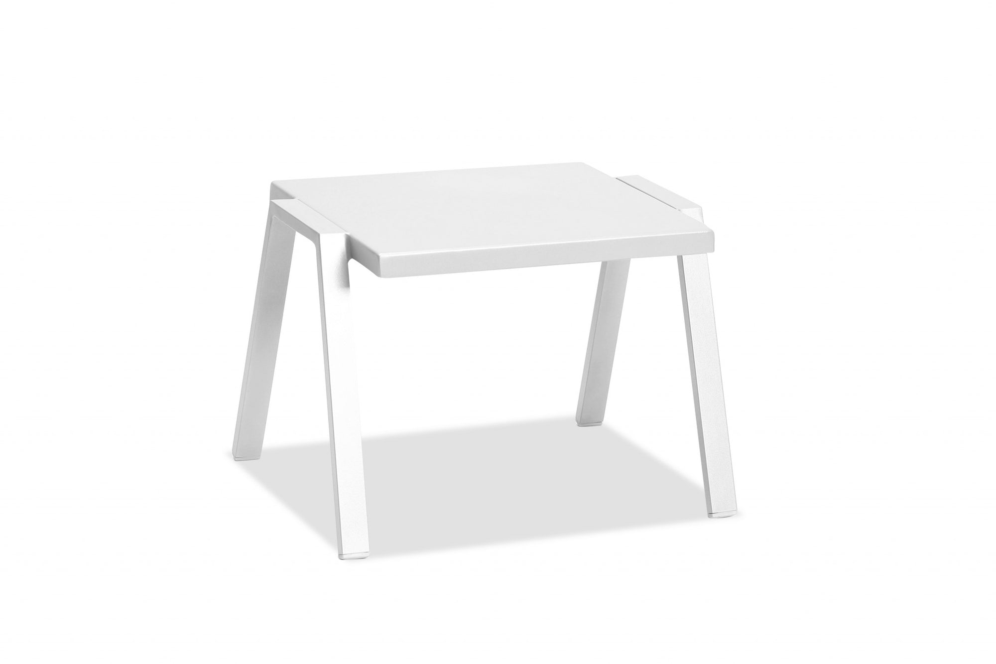 "22"" X 18"" X 16"" White Aluminum Side Table"