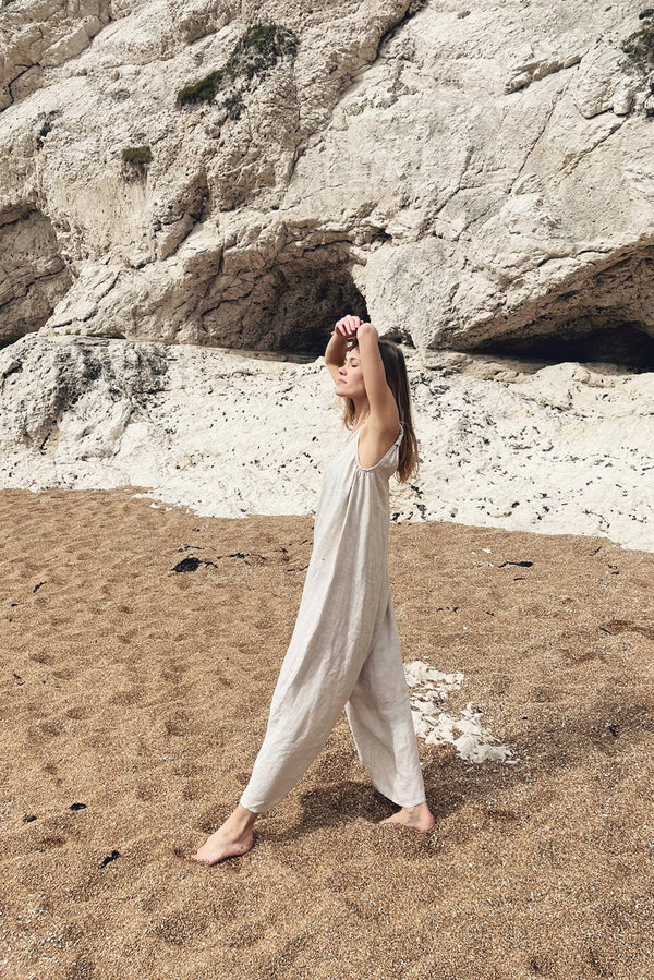 The Linen Jumpsuit // Moon