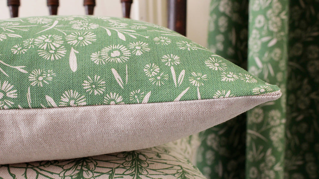 'Daisy Daisy' Cushion, grass green