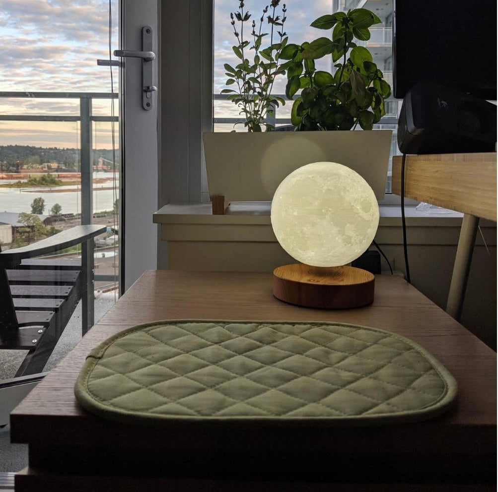 Floating Moon Lamp™