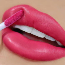 Cargar imagen en el visor de la galería, Labial Seal The Deal - Opposites Attract Beauty Creations 3 PZS Por Mayor (BC-LP16)