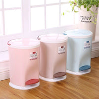 Plastic Dustbin w/ Pedal and Handle
