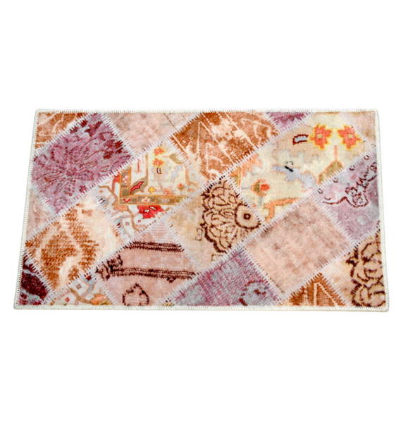 Light Pink Hand-Hooked Wool Rug (50 x 75 cm)
