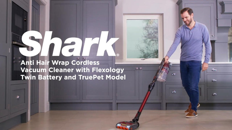 Shark Anti-Hair Wrap with Flexology and True Pet IZ251UKT Cordless Vacuum Cleaner with Pet Hair Removal and up to 80 Minutes Run Time