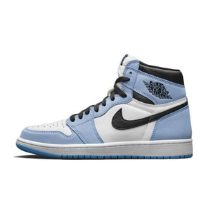 TÊNIS JORDAN 1 RETRO HIGH WHITE UNIVERSITY BLUE BLACK (2021)