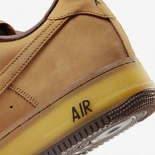 Carregar imagem no visualizador da galeria, TÊNIS NIKE AIR FORCE 1 LOW WHEAT DARK MOCHA