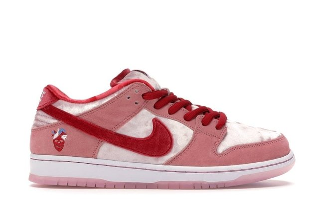 TÊNIS NIKE SB DUNK LOW STRANGELOVE SKATEBOARDS