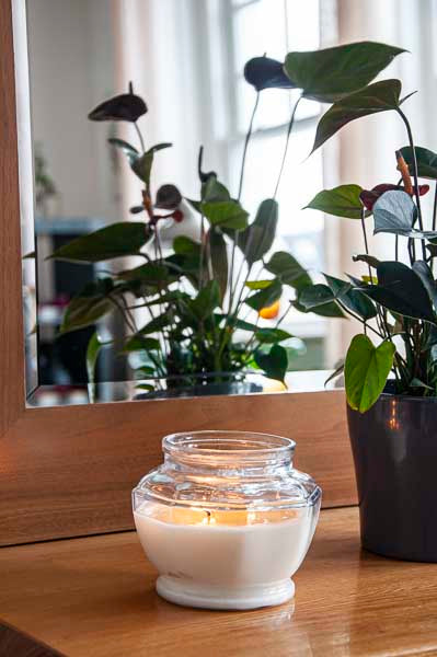 can i use essential oils in candles
