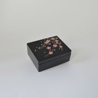 "Lacquerware Box ""Cherry blossoms"" 漆器 3.5寸小箱 桜"