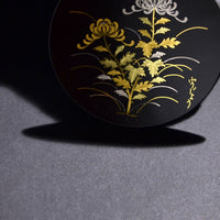 "Damascene Round plate φ7㎝ ""Chrysanthemum"" 象嵌 70丸額 菊"