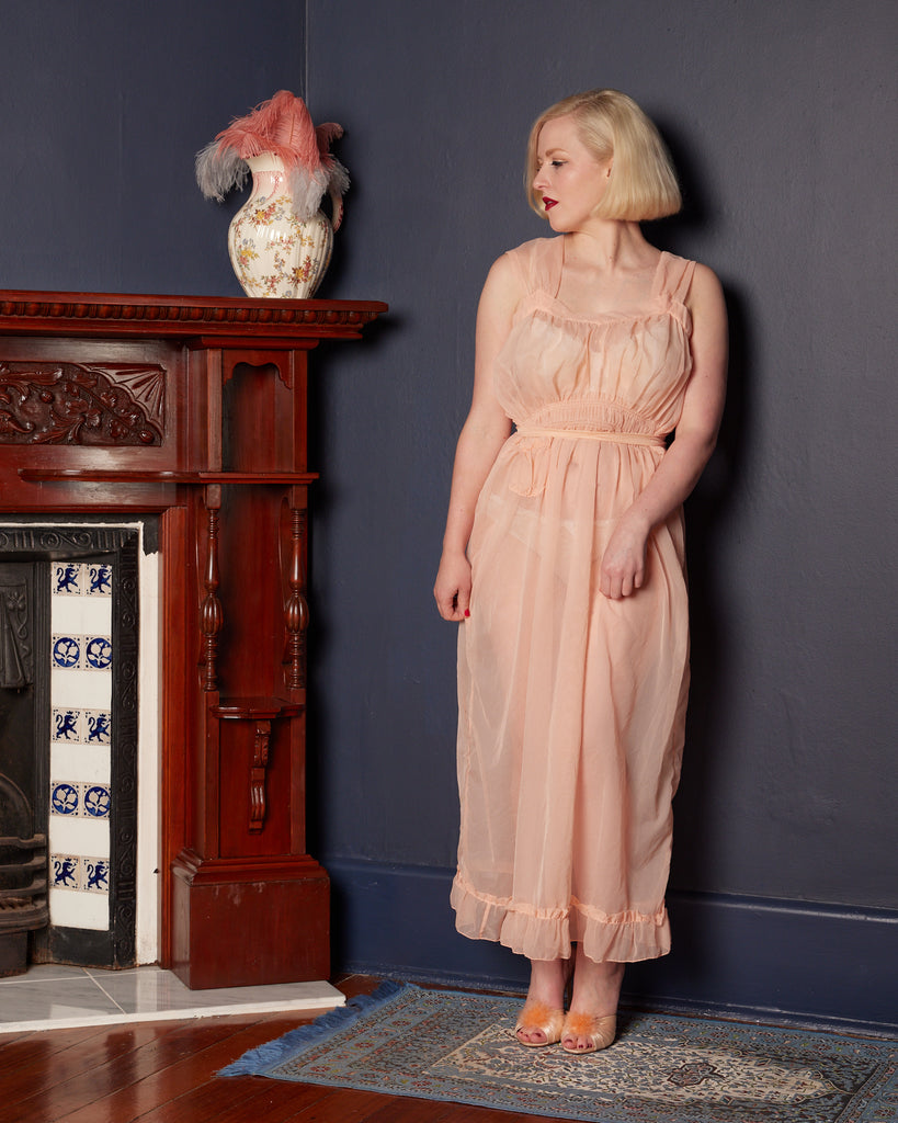 1950s Peach-Pink Negligee