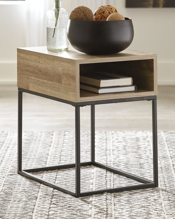 Gerdanet Signature Design by Ashley End Table image