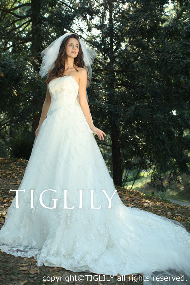 wedding dress (w2002)