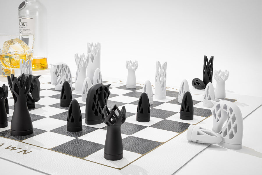 THE LEISURE CHESS SET