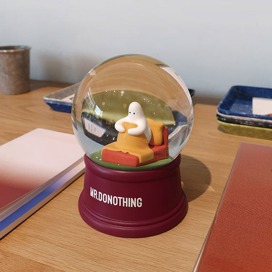 Snow globe for bedroom-home alone
