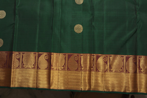 Lotus motifs on the border of a Saree
