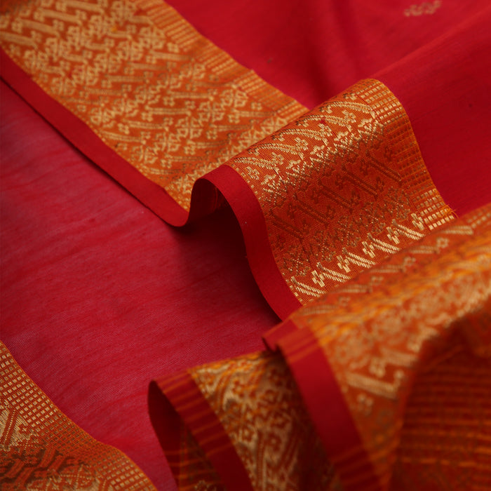 Sarangi Handwoven Maheshwari Silk-Cotton Saree - 1405241RED