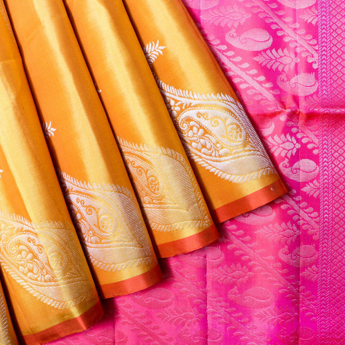 Handwoven Soft Silk Saree - RAG6504