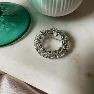 Vintage | Crystal Circle Wreath Frame Pin
