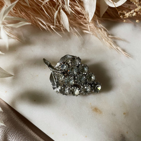 Vintage | Crystal Grapes Brooch