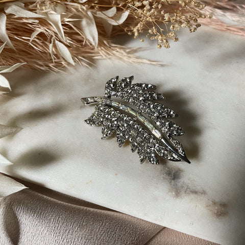 Vintage | Crystal Single Leaf Brooch
