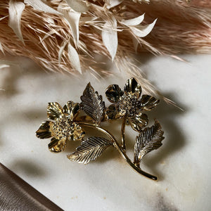 Vintage | Large Gold Floral Pin