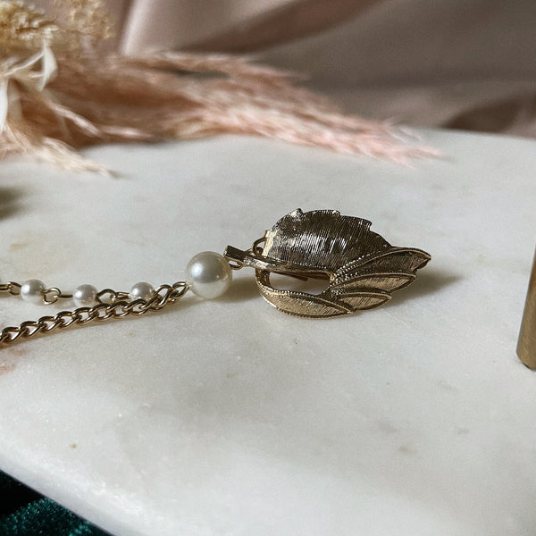 Vintage | Pearl and Leaf Sweater Clip
