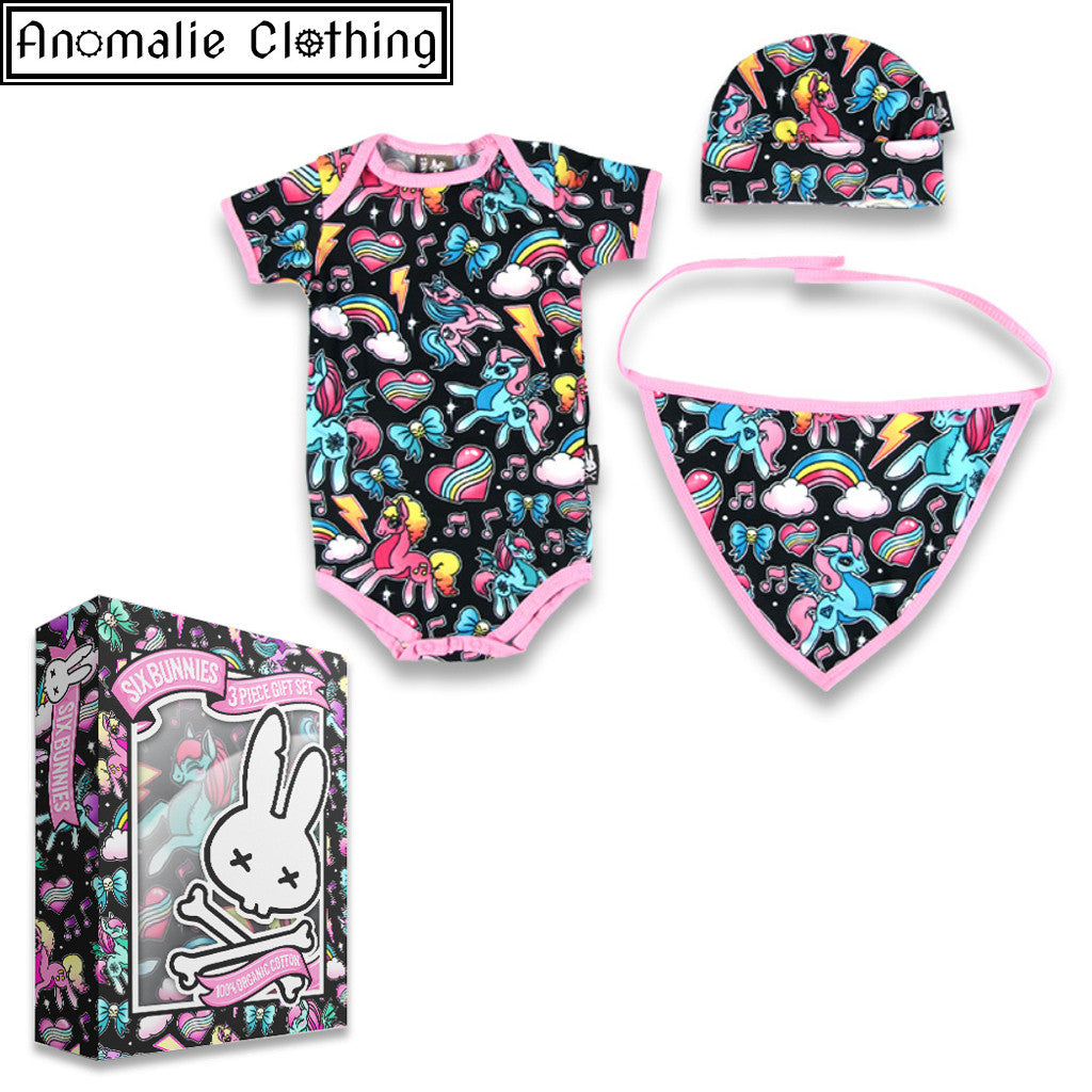 Unicorns 3 Piece Gift Set - Cap Romper and Bib