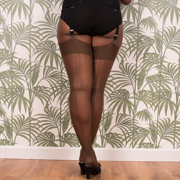 Glamour Seamed Stockings in Coffee