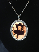 Load image into Gallery viewer, Custom personalized Circle pendants