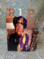 "Personalized ""RIP"" photo frame"