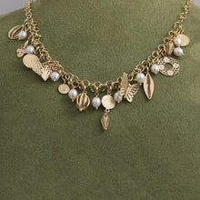 Load image into Gallery viewer, Pearl and charm necklace