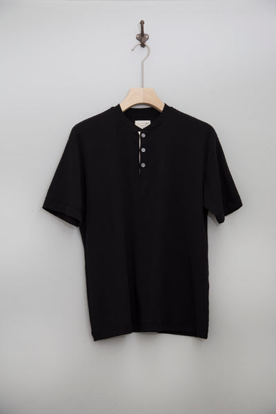 By R SS20 S/S Henley Neck