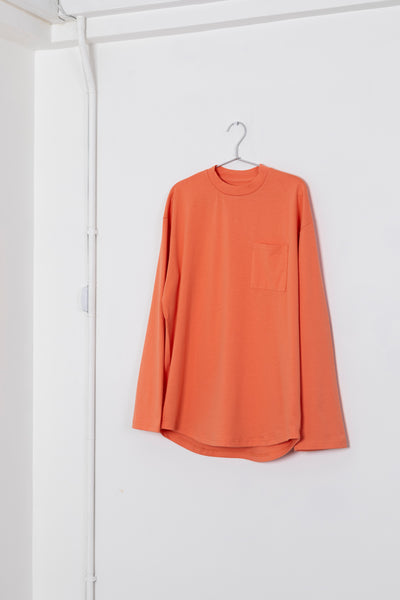 By R L/S Curve Pocket Tee