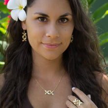 Load image into Gallery viewer, Frangipani Bua Necklace - 925 Sterling Silver or 18k Gold  Vermeil FJD$ - Adorn Pacific - Fiji Jewelry - Made in Fiji