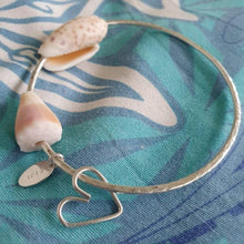 Load image into Gallery viewer, Custom Heart & Fiji Shell Bangle - 925 Sterling Silver FJD$ - Adorn Pacific - Fiji Jewelry