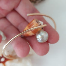 Load image into Gallery viewer, Fiji Pearl and Shell Cuff - 925 Sterling Silver - FJD$ - Adorn Pacific - Fiji Jewelry