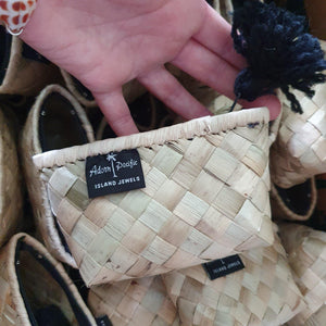 Fijian VoiVoi Handwoven Zippered Purse $FJD - Adorn Pacific - Fiji Jewelry - Made in Fiji