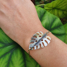 Load image into Gallery viewer, Monstera Carved Oyster Shell Bangle - 925 Sterling Silver FJD$ - Adorn Pacific - Fiji Jewelry