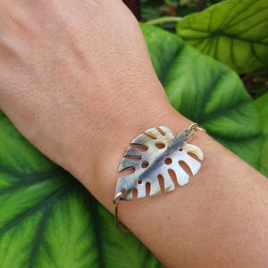 Monstera Carved Oyster Shell Bangle - 925 Sterling Silver FJD$ - Adorn Pacific - Fiji Jewelry