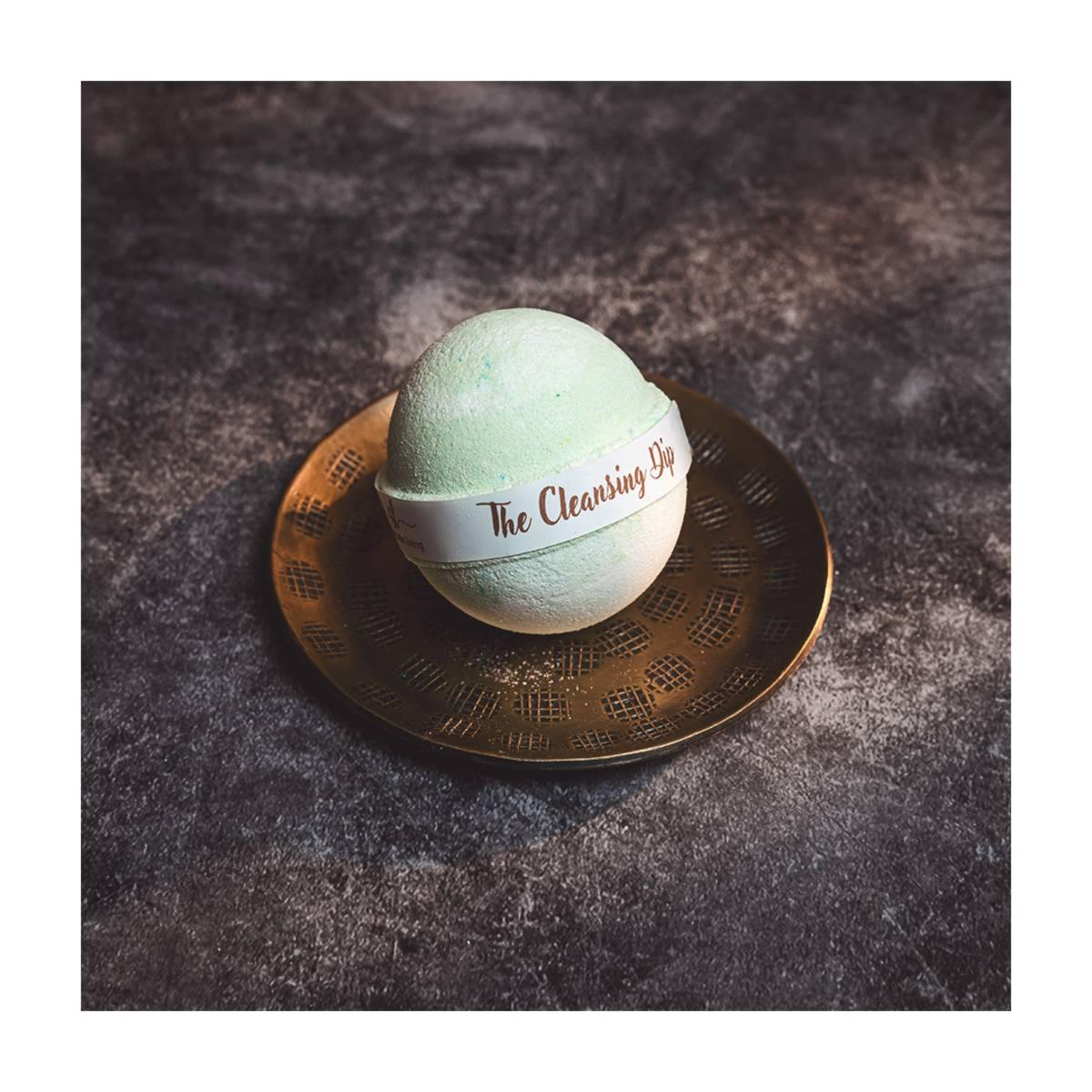 Solitude-Living-Bath-Bomb-For Refined-Skin
