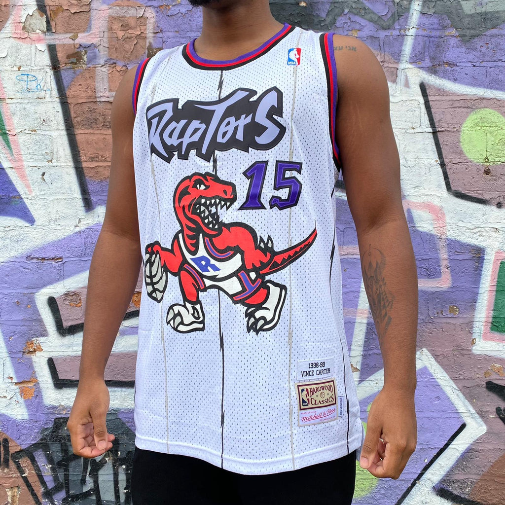 RETRO TORONTO RAPTORS WHITE BASKETBALL JERSEY - VINCE CARTER 15