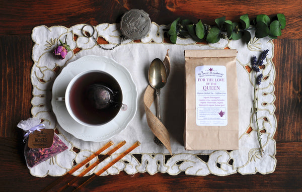 For the Love of the Queen herbal infusion | Rose & Hibiscus