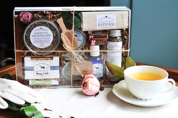 Queen Mother's Gift Set | New Mommy Postpartum Tea & Bath gift set